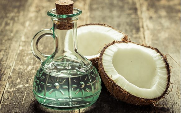 8 Amazing Beauty Benefits of Coconut Oil