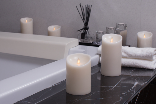 candles by bath