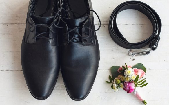 Best accessories for a summer groom