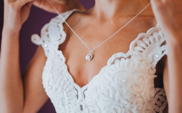 Best Accessories for a Summer Bride