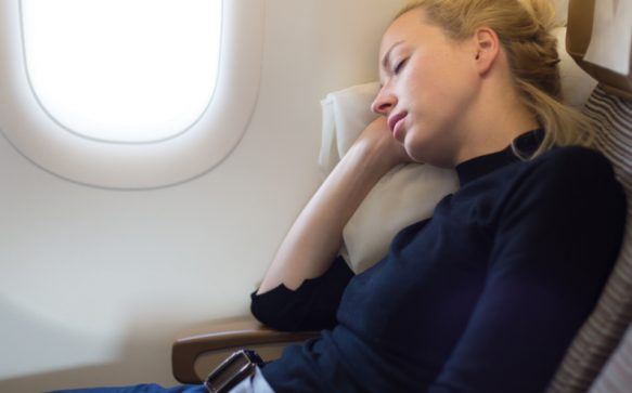 10 tips for surviving long flights