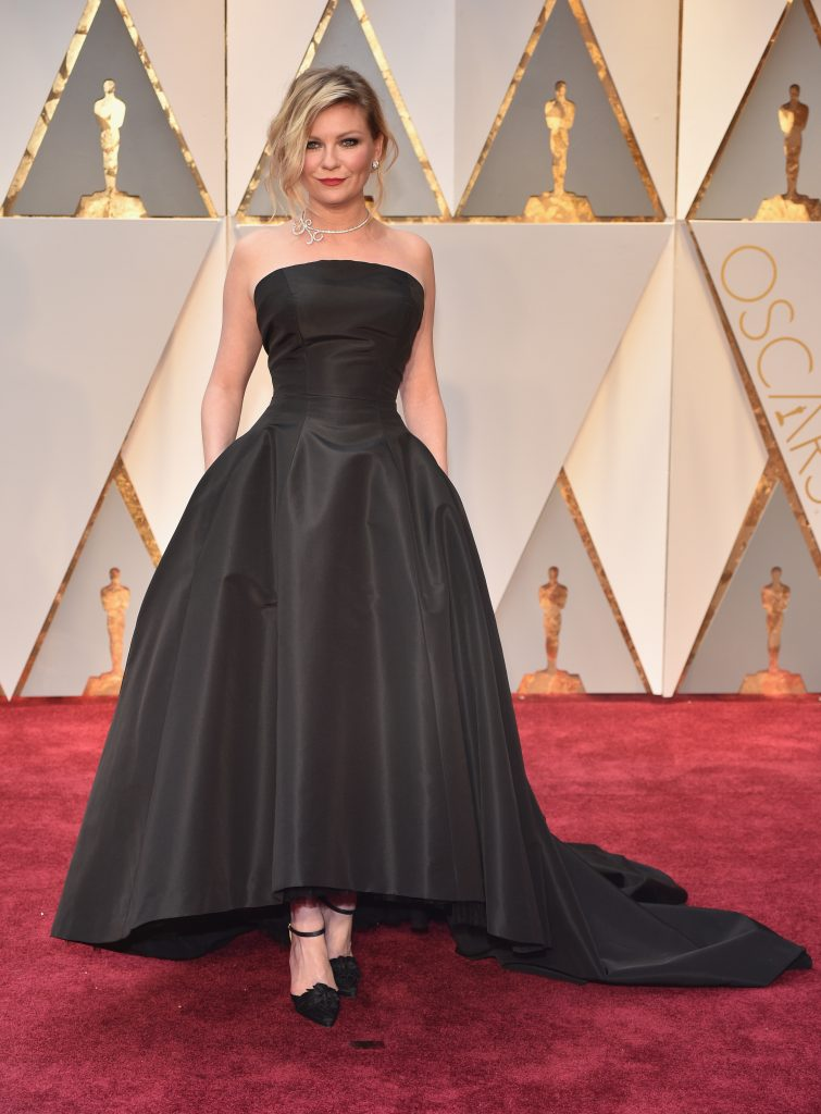 Kirsten Dunst Oscars red carpet
