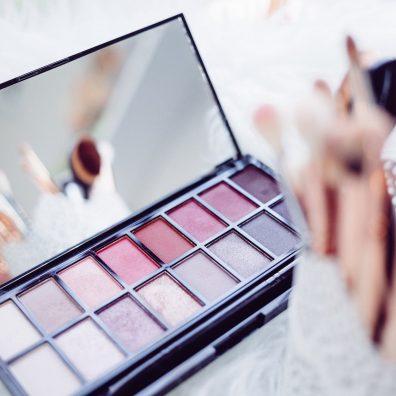 Trends reveal more Aussie women buying cosmetics in pharmacies