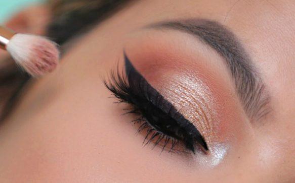 The Beginner's Guide To Applying Eyeshadow