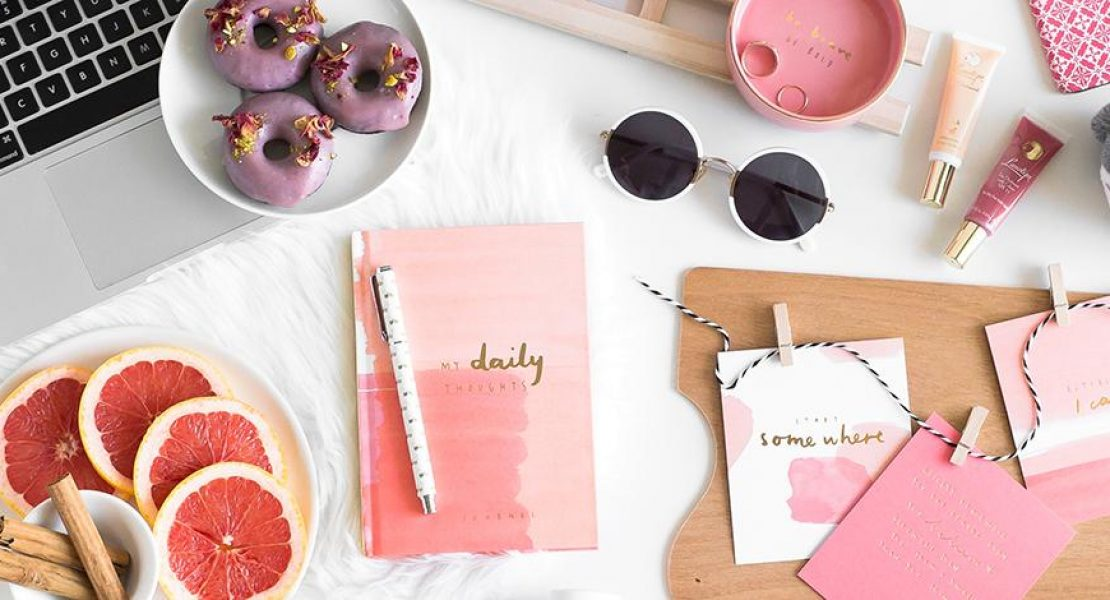 How To: Flat Lay Like A Blogger