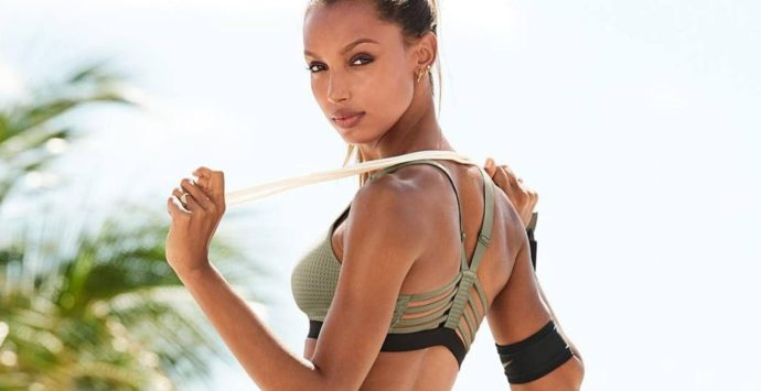 7 Secret Habits Fitness Models Live By To Stay Fit All Year Round.